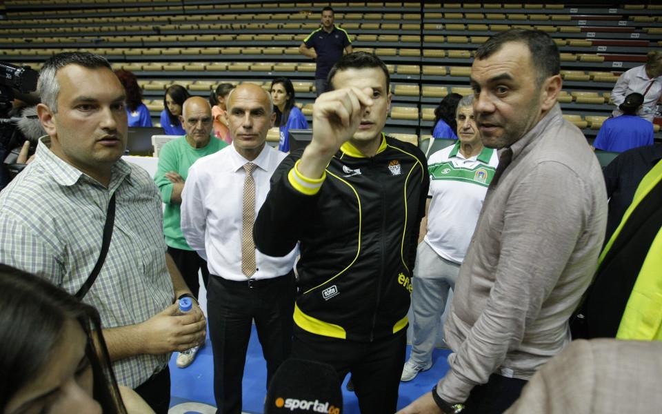 Стойков: На камерите трябва да се види кой започва провокацията