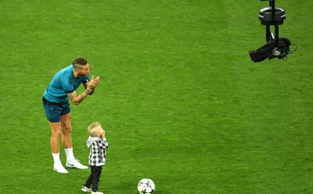 Малките синове на капитана на Реал Мадрид Серхио Рамос повдигнаха