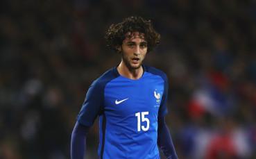 Байерн и Челси също се облизват за френски национал