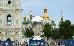 Бомбена заплаха затвори метрото в Киев преди финала
