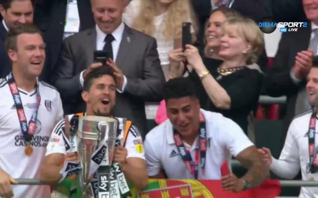 Най-сладкият момент за футболисти и фенове със сигурност е краят