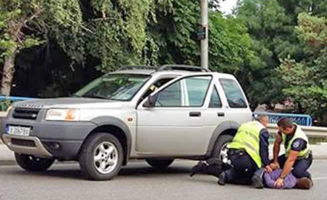 Задигнаха колата на полицай в Хасково, той я гледа как потегля