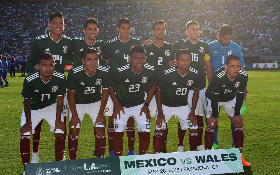 Мексиканските национали на парти с 30 проститутки преди Мондиал 2018