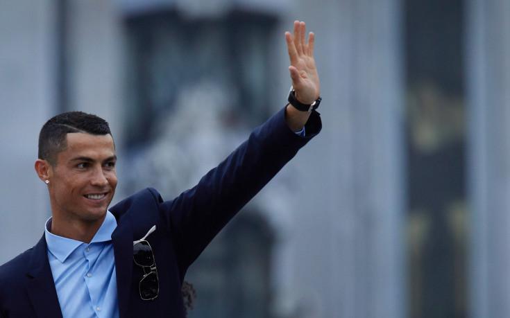 Реал Мадрид дал разрешение на Роналдо да разглежда оферти