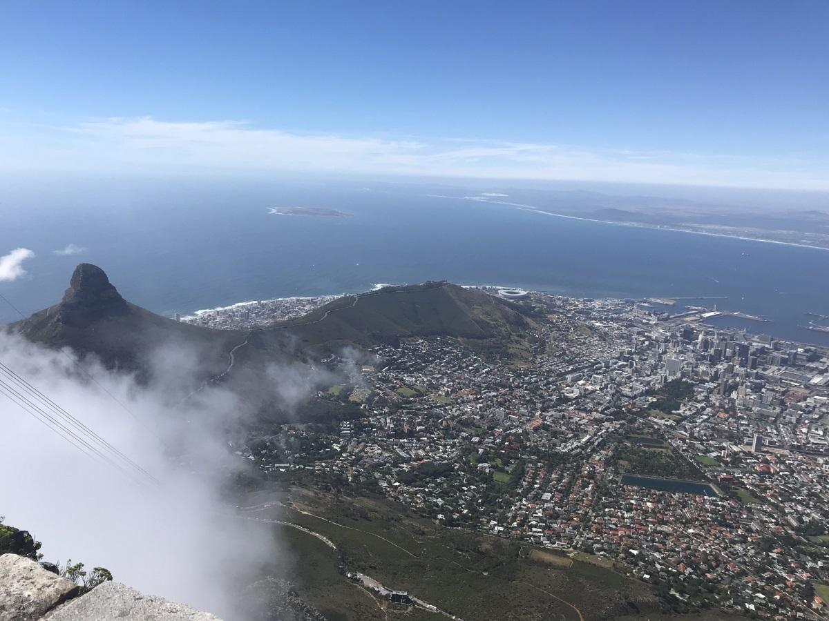 Изглед към Кейптаун от върха на Тейбъл маунтин
