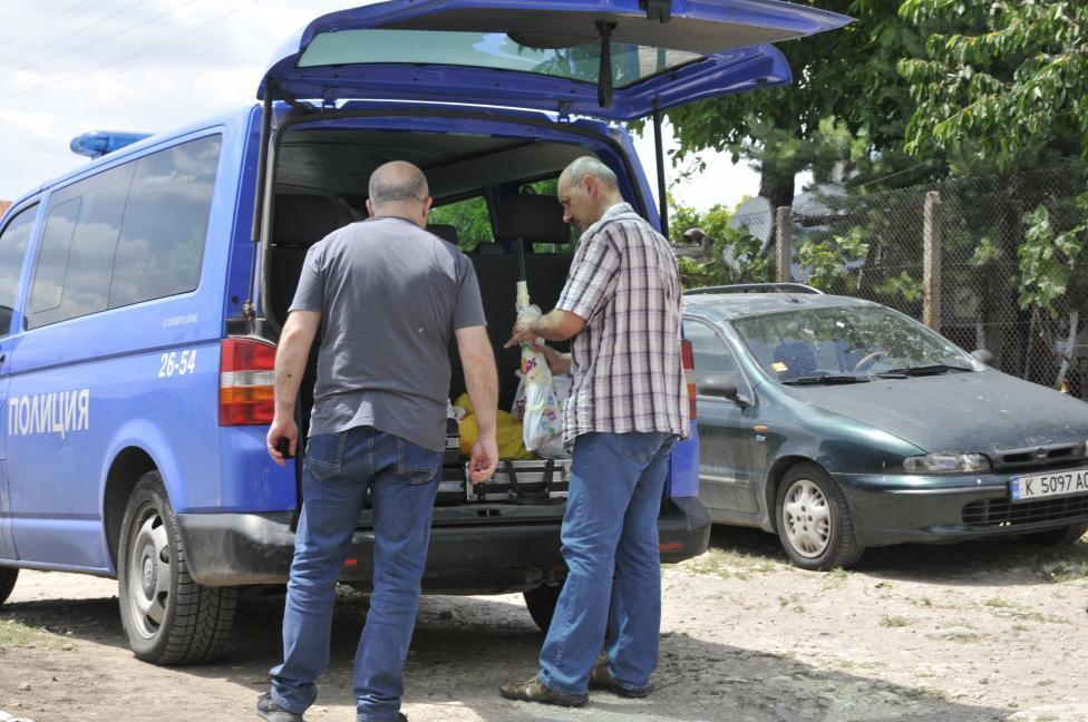 - Двойно убийство е било извършено в хасковското село Козлец. Инцидентът е станал около 09.30 часа сутринта. Застреляни са 44-годишна жена и...