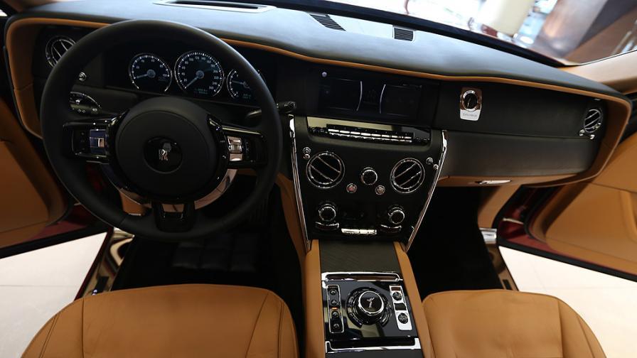 Гигантът на Rolls Royce – най-луксозния и...
