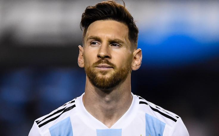 Меси намекна, че се оттегля от националния на Аржентина