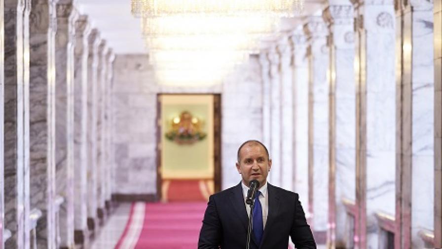 Радев сравни корупцията в България с раково образувание