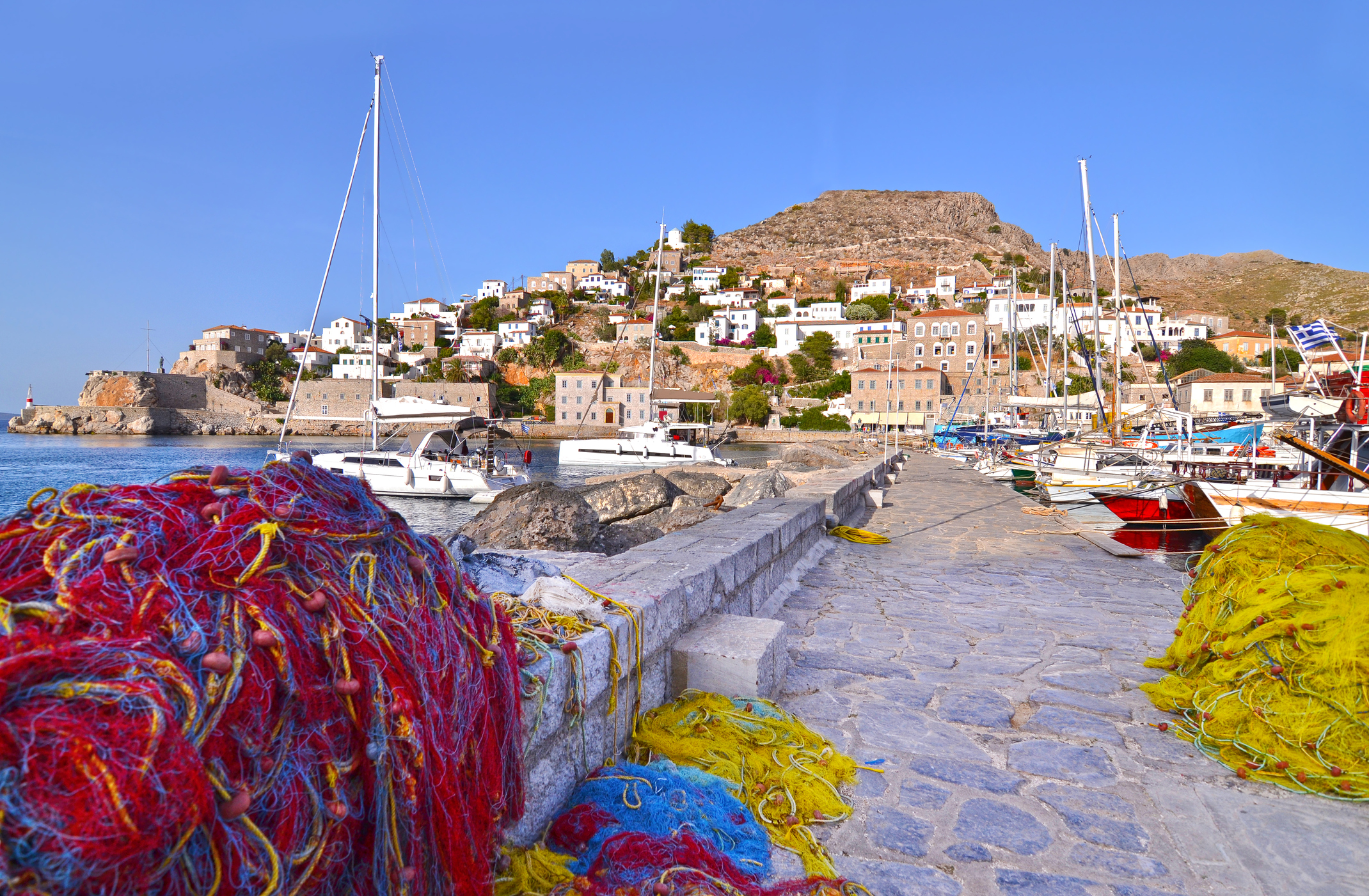 Хидра, Гърция - автомобилите и скутерите са забранени на този китен остров, който се намира на около два часа от Атина.
