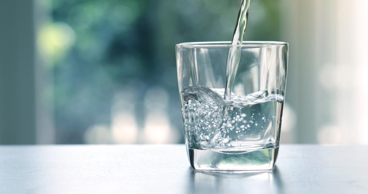 Колкото и да е банално: пийте много течности.