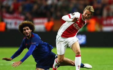 Манчестър Сити ще чака до следващото лято за Де Йонг