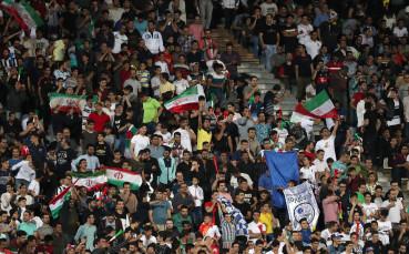 Иран позволи на жените да посетят мач на националния отбор