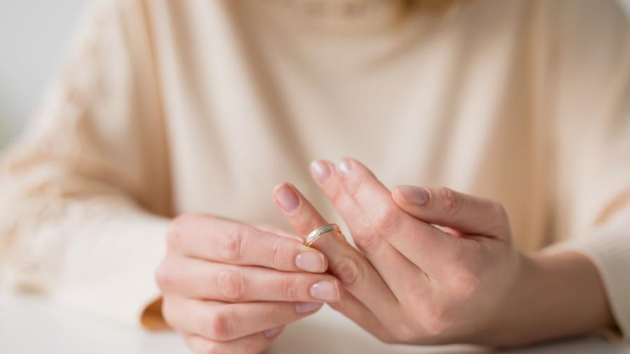Защо изневеряват омъжените жени