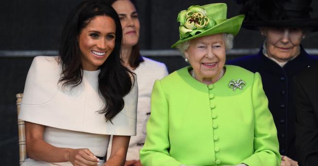 Кралица Елизабет и херцогинята на Съсекс пристигнаха в графство Чешир