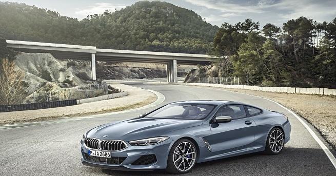 Новото BMW Серия 8 Купе е разработвано успоредно със състезателния