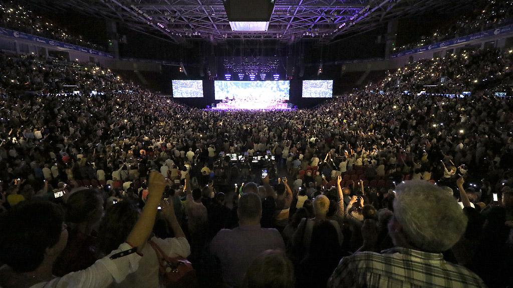 """Световноизвестната звезда Andre Rieu за първи път в България """"Кралят на валса"""" – с впечатляващ концерт в """"Арена Армеец"""""""