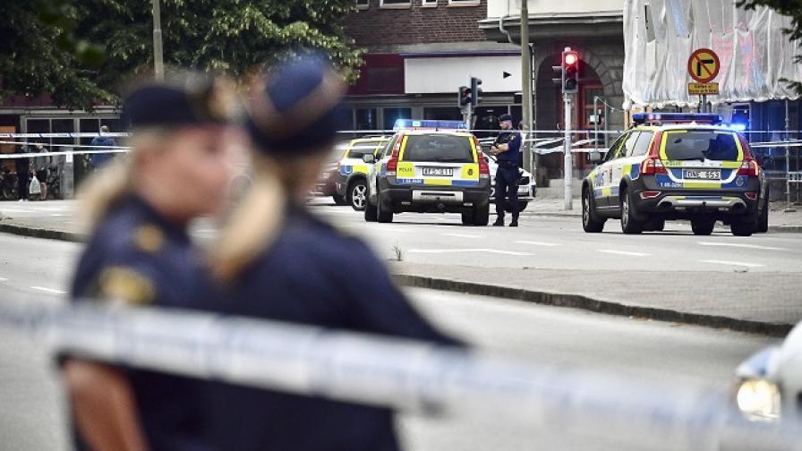 Трима загинали и двама други бяха ранени след престрелка в Швеция
