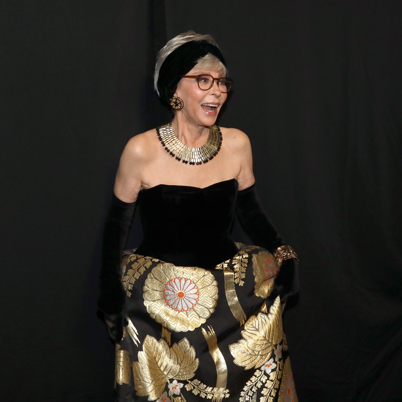 През 2018 г. тя реши да се появи отново със същата рокля. Може да се каже, че й стои блестящо.