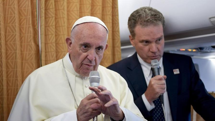 Папата призова страните да приемат колкото могат бежанци