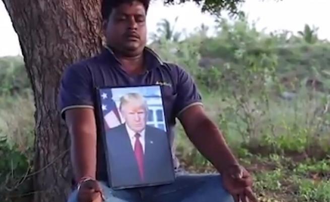 Той се моли на Тръмп като на Бог, наистина