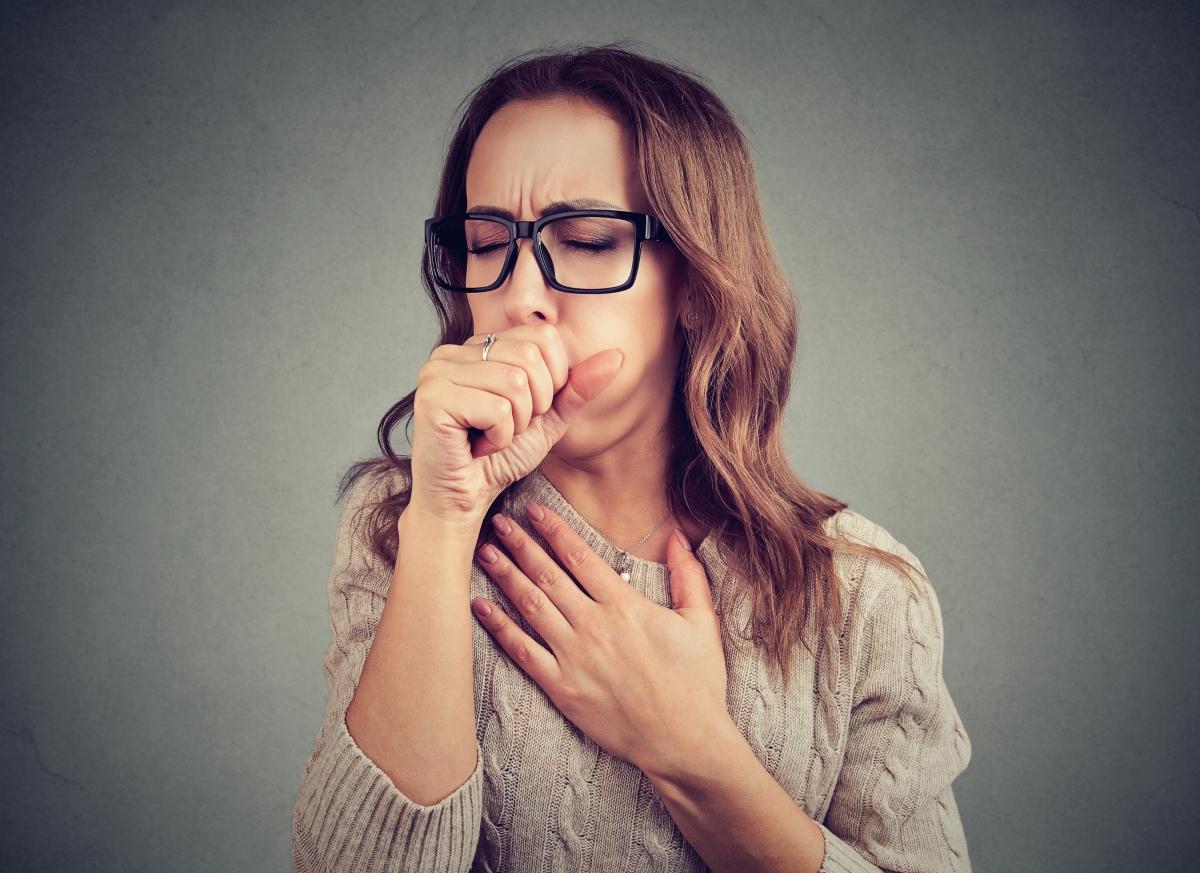 Кашлицата е реакция на тялото, за да изчисти дихателните пътища от чужди тела. Както се казва: любов и кашлица не могат да се скрият.