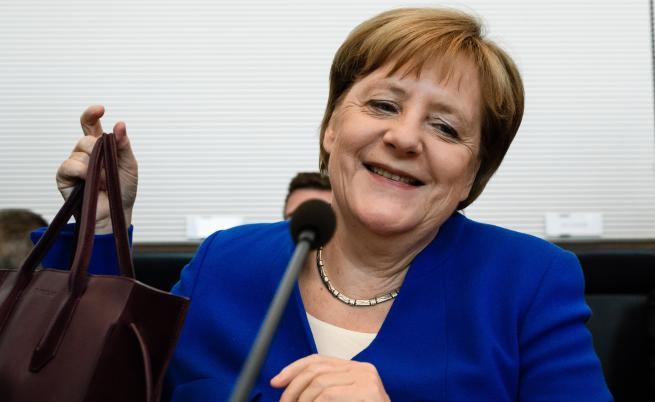 Меркел към Ердоган: Силната турска икономика е важна за нас