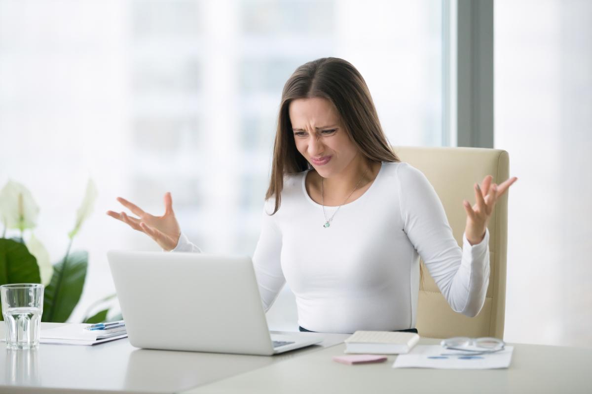 Липса на информация. Задачите може и да са изпълними, но когато информацията за тях е зле поднесена, работещите изпитват стрес за това как ще се оправят.