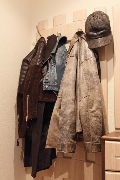 - Дали имате много натрупани дрехи на закачалката в коридора.