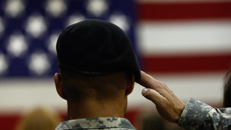 Американската армия внезапно освободила от служба имигрантите си