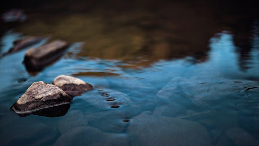 Откриха удавено момиченце в река край Панагюрище
