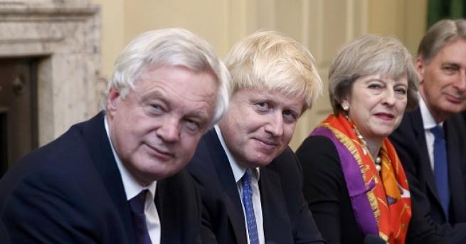 Външният министър на Великобритания Борис Джонсън също подаде оставка, след