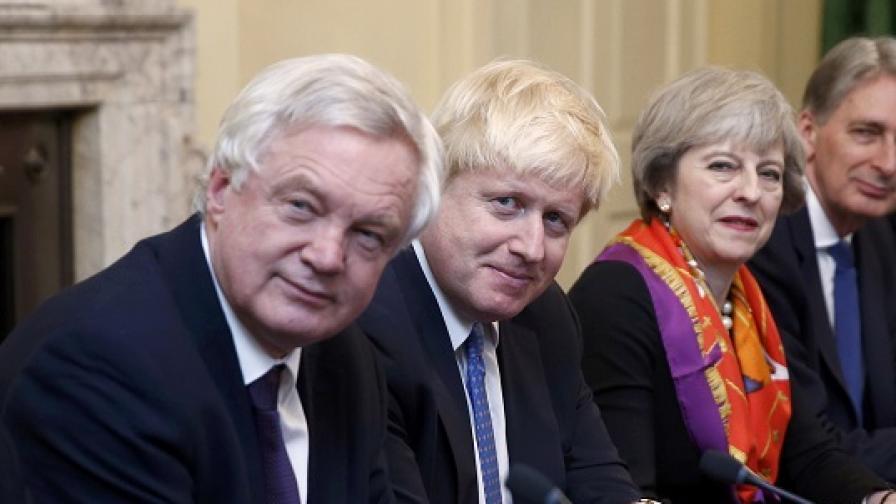 Подалият оставка Джонсън: Мечтата за Brexit умира