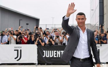 Роналдо с първи досег до феновете на Юве