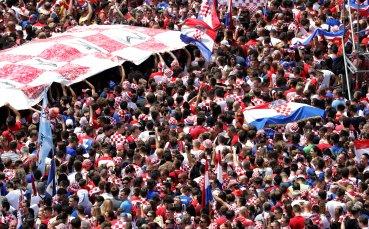 Шапки долу: Хърватските национали дариха 23 милиона