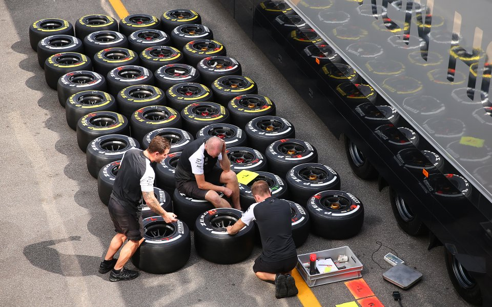 Ферари агресивни при избора на гуми за Унгария
