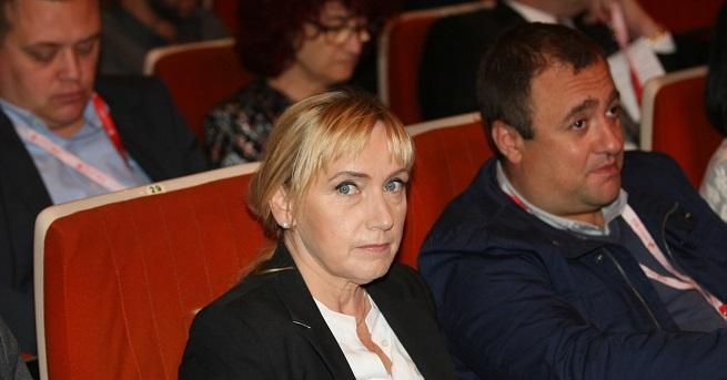 Елена Йончева има общ бизнес, 50/ 50 с Цветан Василев.