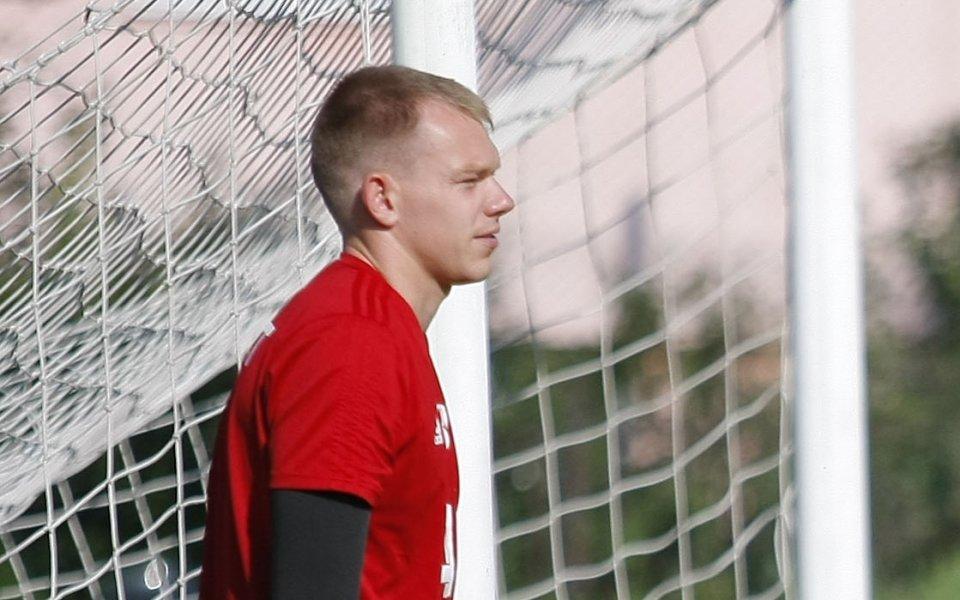 ЦСКА и вратарят Витаутас Черниаускас официално се разделиха, обявиха от
