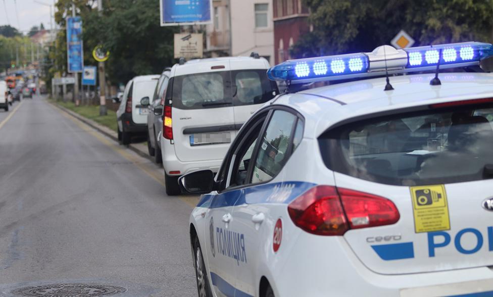 """- Мъж на 39 г. е приет в Спешното отделение на УМБАЛ """"Св. Анна"""" - София АД, след като е пострадал леко при верижна катастрофа с три автомобила на бул..."""