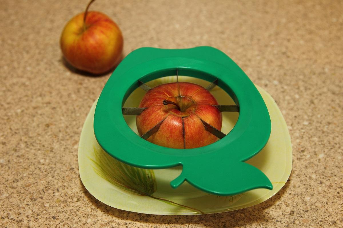 Уред за рязане на ябълка