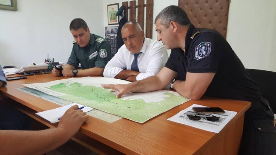 Пращаме още полицаи по границата с Турция