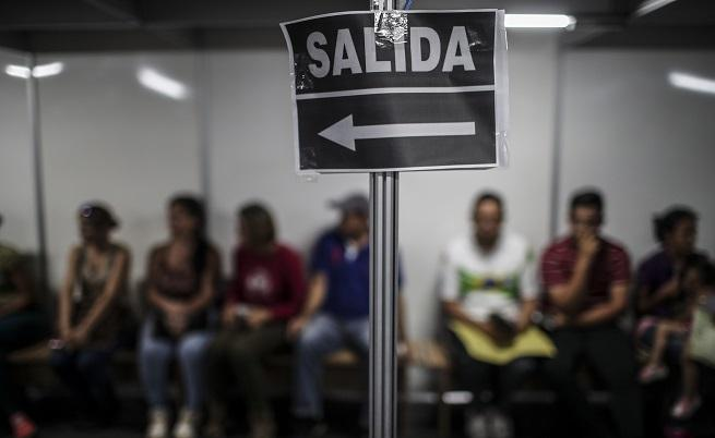 800 венецуелци на ден търсят спасение в Бразилия
