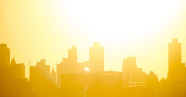 Десетки сигнали за припаднали хора заради горещините са получили в