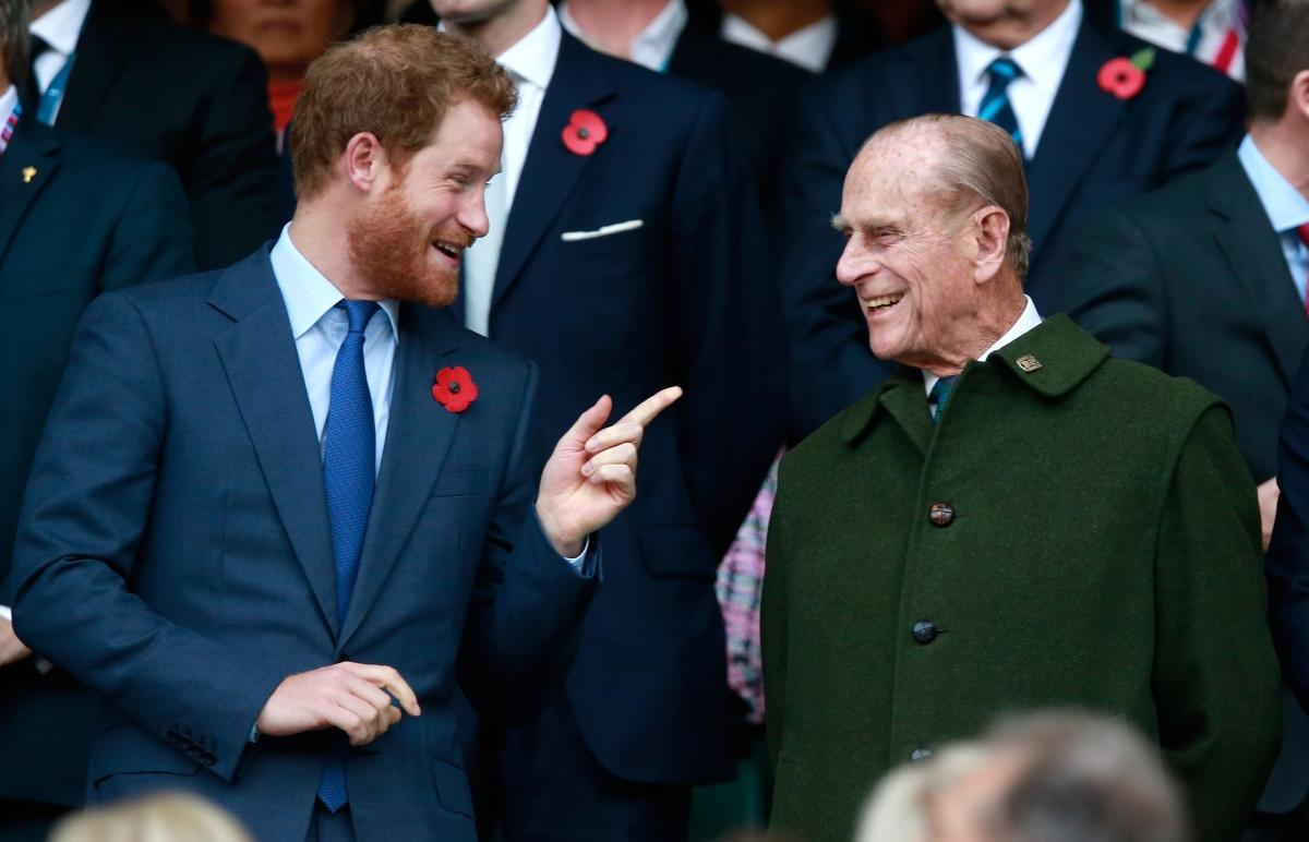 Ето го дядо Филип и любимият му внук - Хари.