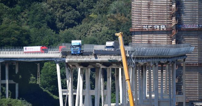 """Експерти предупреждават, че сривът на моста """"Моранди"""" в Генуа –"""