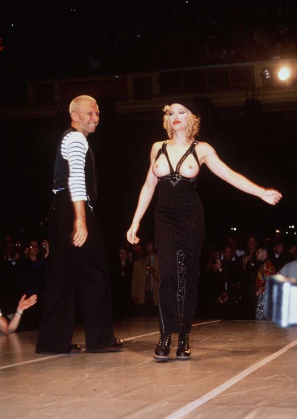 Мадона позира за Жан-Пол Готие.