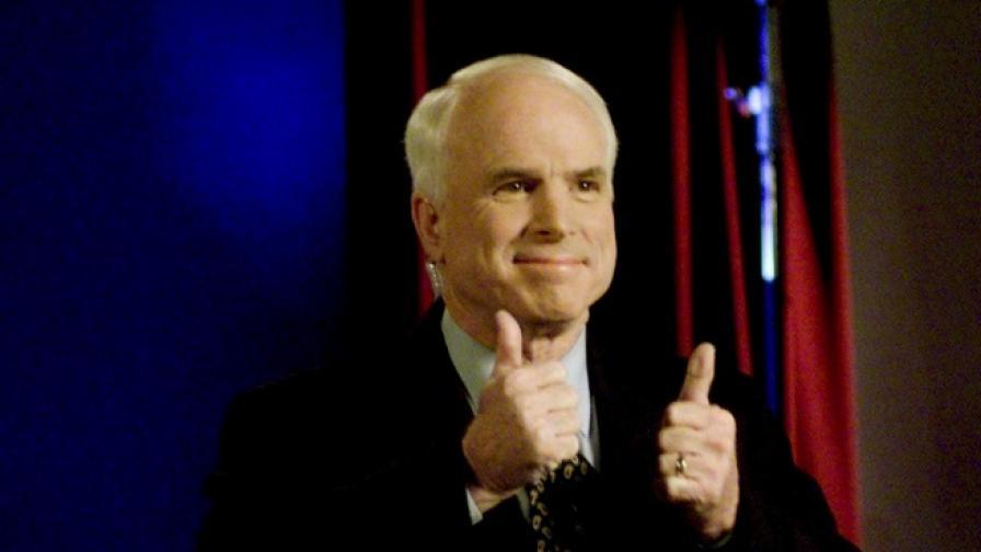 Почина Джон МакКейн, виден политик, опонент на Тръмп