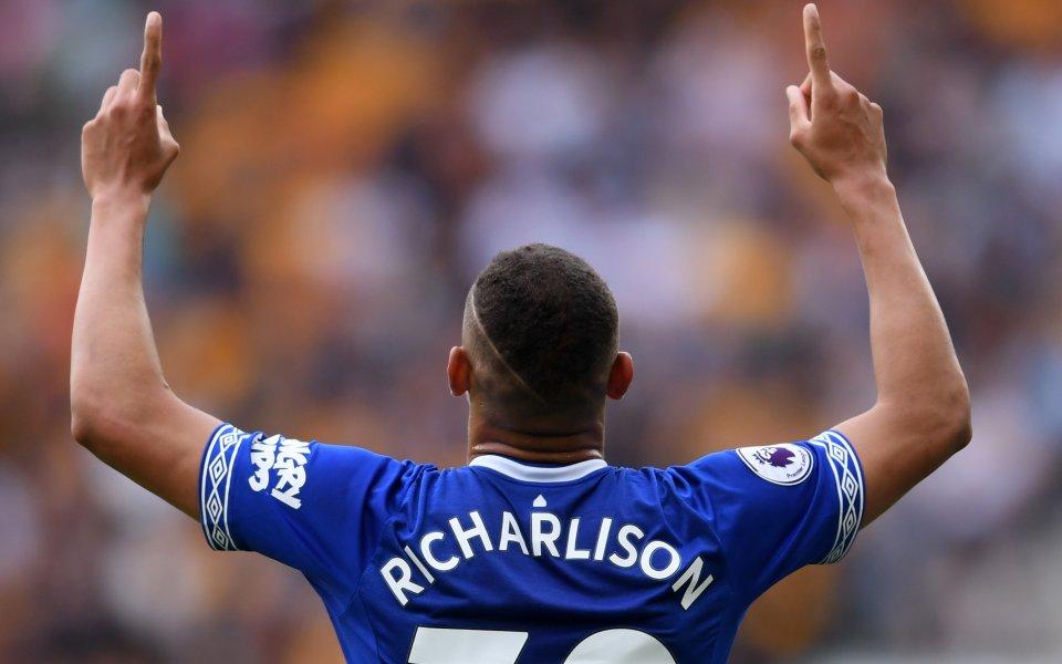 Футболистът на Евертън Ричарлисон подписа нов дългосрочен договор, се похвалиха