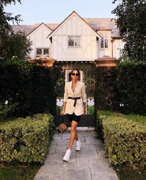 """9. <a href=""""https://www.instagram.com/songofstyle/"""">Ейми Сонг</a>е класирана на второ място за най-успешен блогър в световен мащаб следКиара Ферани (която ще видите по-нататък в галерията).Американката с азиатски корени има какво да предложи – сайтът ѝSong of Styleсъбира над 2 млн. месечни посещения и е след най-следенитеITмомичета в социалните мрежи."""