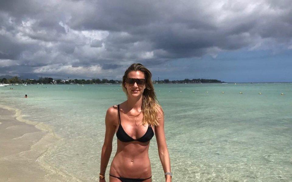 Чаровна волейболна съпруга - популярен моден блогър